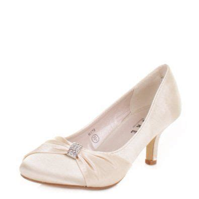 Womens Ivory Wedding Shoes by Best 25 Ivory Shoes Ideas On Lace Ribbon