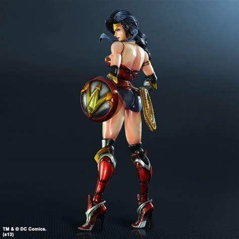 Figure Wonderwoman square enix dc comics variant play arts