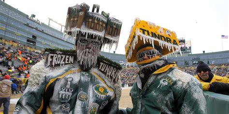 green bay packers fans green bay packers dating website caters to cheeseheads