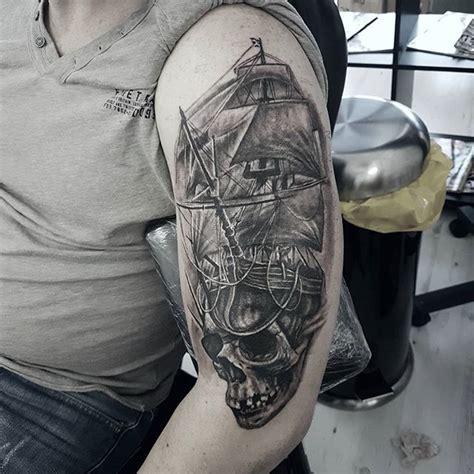dessin bateau pirate tatouage dessin pour tatouage avec coffre tresor tatouage