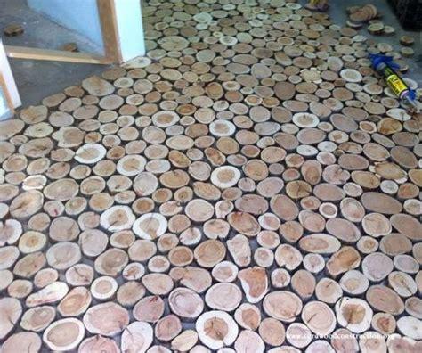 pavimento legno fai da te pavimento fai da te con i dischi di legno