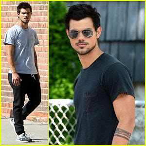 taylor lautner tattoos lautner bench caign the