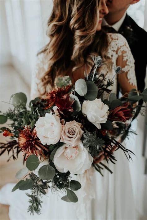 Wedding Bouquet Winter by 20 Stunning Winter Wedding Bouquets The Magazine