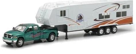 5th Wheel Camper RV Vehicle Toy Die Cast Pick Up Truck
