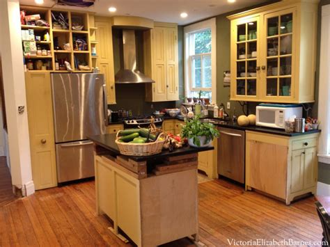 Type Of Kitchen Cabinets by Planning An Old House Kitchen Remodel Considering