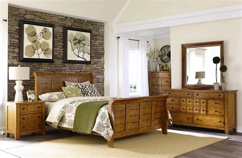 cabin bedroom furniture grandpas cabin rustic american aged sleigh bedroom set