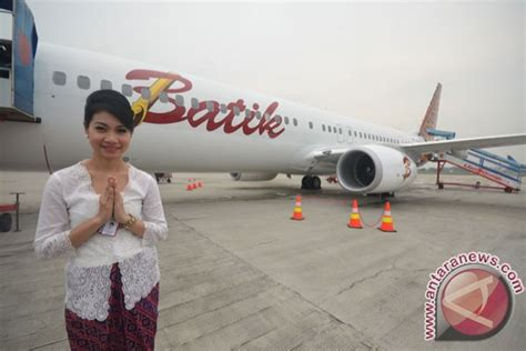 batik air english kain manado jadi seragam pramugari batik air antara news