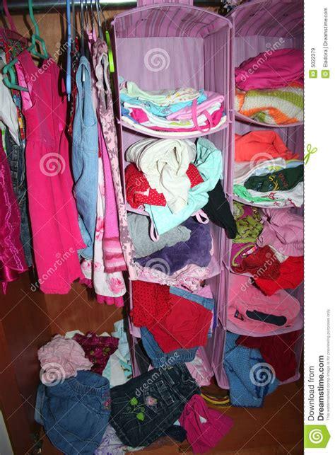 garde robe enfant une garde robe d enfant image stock image du assorti