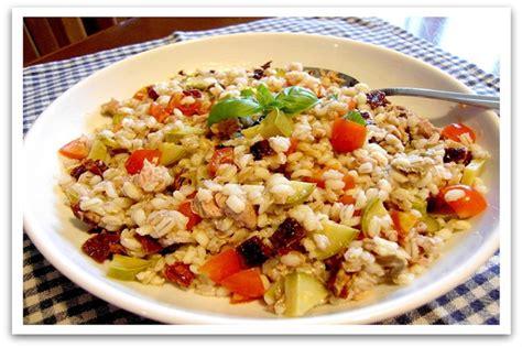cucinare orzo e farro insalata di farro 5 ricette originali ed estive