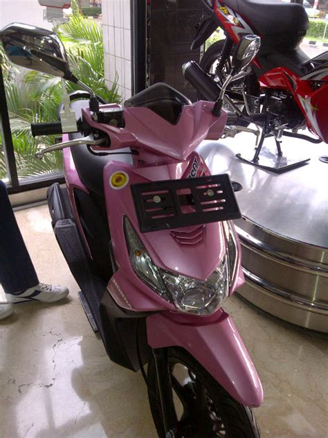 Sticker Striping Beat Fi Race alat variasi motor beat modifikasi yamah nmax