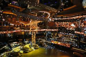 vegas nightclub aims for vip feel without vip price