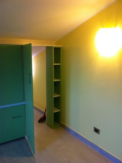 cabina armadio mansarda cabina armadio per cameretta pi 249 ordine nella stanza dei