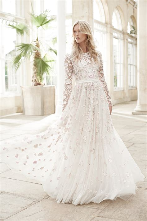 Trendy Wedding Dresses Uk by 2017 Wedding Dress Trends Hitched Co Uk