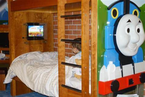 thomas themed bedroom thomas themed hotel room picture of drayton manor park