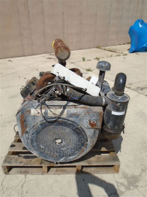 engine wisconsin vd engine complete  good running