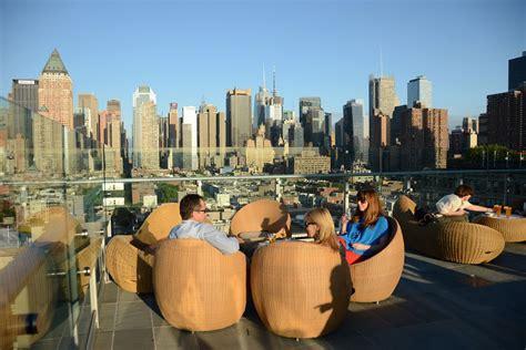 top 10 rooftop bars new york rooftop bar new york city manhattan best roof 2017