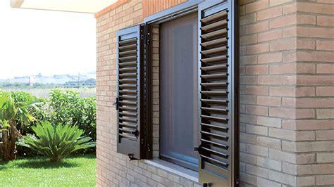 profili per persiane in alluminio persiane in alluminio alcom s r l serramentie facciate