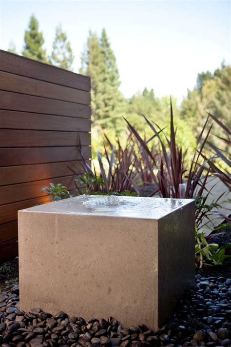 modern water features modern fountains www imgkid com the image kid has it