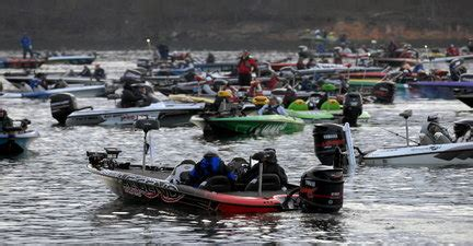 bass fishing tournament boats bolton these 5 things made bass fishing the booming