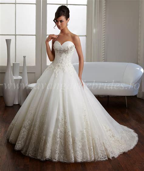 Spezielle Hochzeitskleider by 51014 021