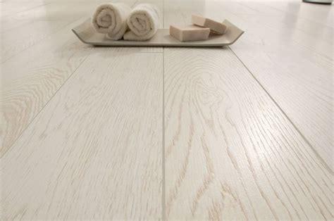 pavimento esterno finto legno pavimenti in finto legno pavimentazione rivestimenti
