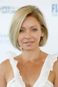 how to get hair like ripa kelly ripa s side parted bob the most gorgeous