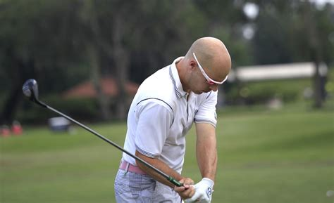 arm swing golf is the golf swing powered by the arms golf loopy play