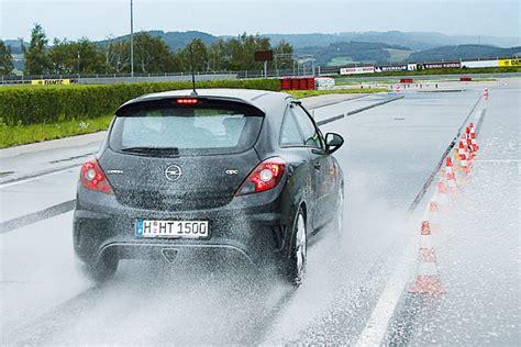 Reifentest Autobild by Reifentest 215 45 R 17 Bilder Autobild De