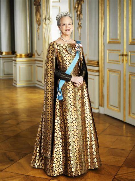 Dress Agustincape majesty margrethe ii of denmark inaugurates a new building the royal correspondent