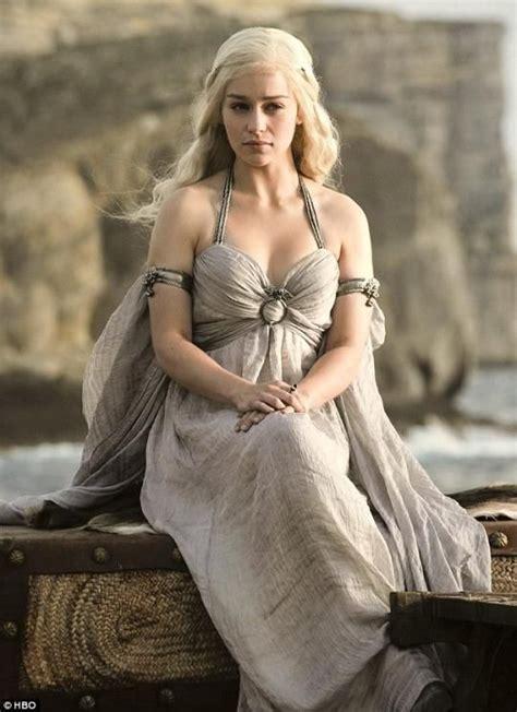 daenerys targaryen actress without makeup get khaleesi s game of thrones no makeup look