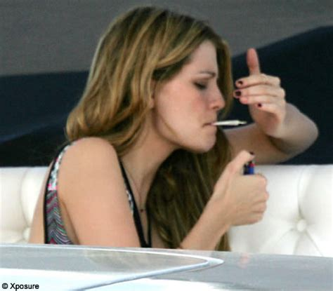Mischa Barton Smokes Pot And Drives by 10 Actresses Busted Blazing It Up Popcrunch