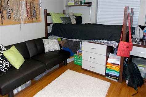 what do college students need for their rooms room ideas for creative college students