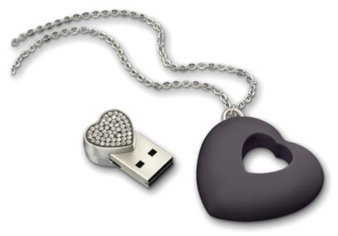 shaped usb 4go necklace by swarovski fashionlab