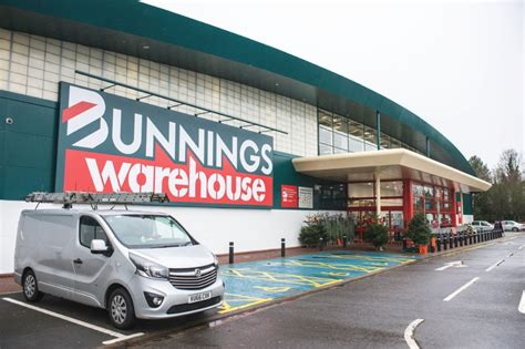 bunnings warehouse opens store  basingstoke housewares