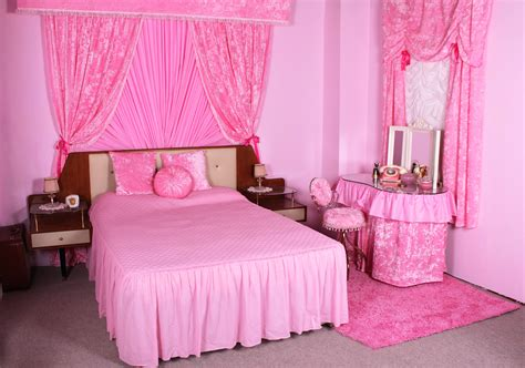 red curtains for bedroom bedroom with pink walls red curtains and home decorating ideas child room colours decor clipgoo