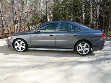 2005 volvo s60 awd pictures information and specs