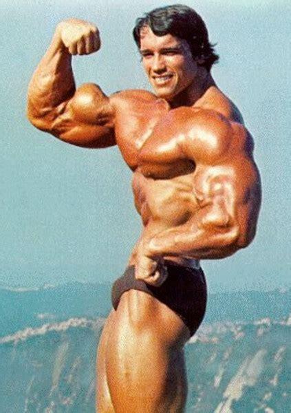 hombres bailando perreo super mega gayy young arnold schwarzenegger bodybuilding photos style