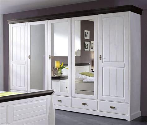 spiegel für schlafzimmer streichen in rot grau und beige