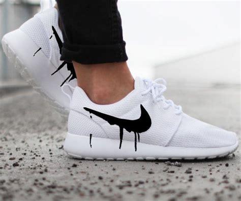 Sepatu Nike Roshe One drip swoosh nike roshe sneakers interwebs
