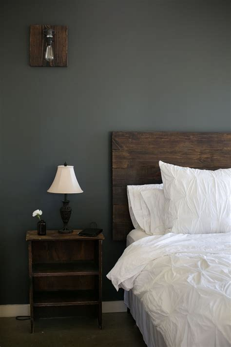 Light Wood Headboard My Bedroom Is Finally Finished I Am In Reclaimed Wood Headboard Edison Light Bulb Diy