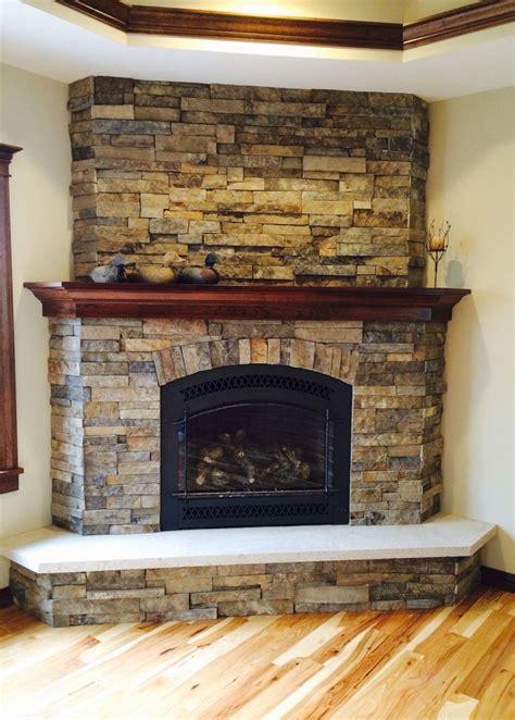Best 25  Corner stone fireplace ideas on Pinterest