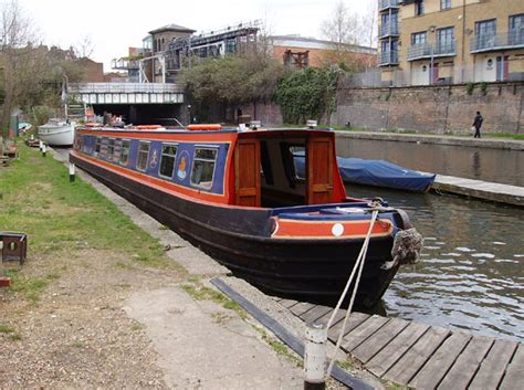 canal boat etiquette canal boat training courses the pirate castle website