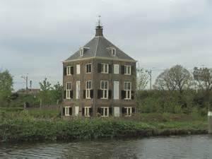 house picture panoramio photo of house of christiaan huygens voorburg