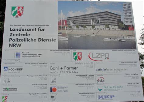 Baustellenschild Ohne Copyright by Duisburg Landesleitstelle Nrw Polizei Innenhafen