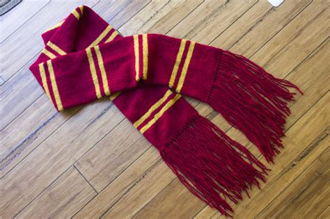 gryffindor scarf knitting pattern harry potter knit scarf