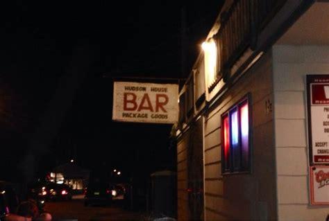 hudson house lbi hudson house bar 29 photos 45 reviews bars 19 e 13th st beach haven nj united states
