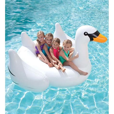 cygne gonflable geant pour piscine