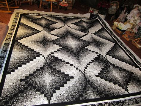 black and white bargello quilt pattern kay z quiltz mom s donation quilt