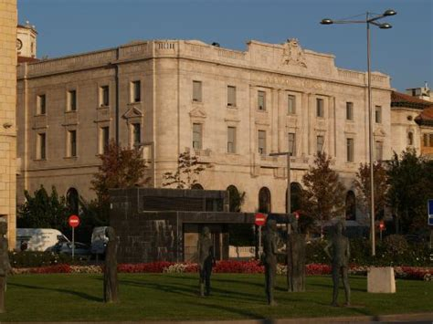 banco santander espana edificio banco de espa 241 a en santander picture of