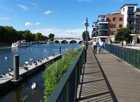 thames river kingston the river thames in kingston upon thames 169 mat fascione